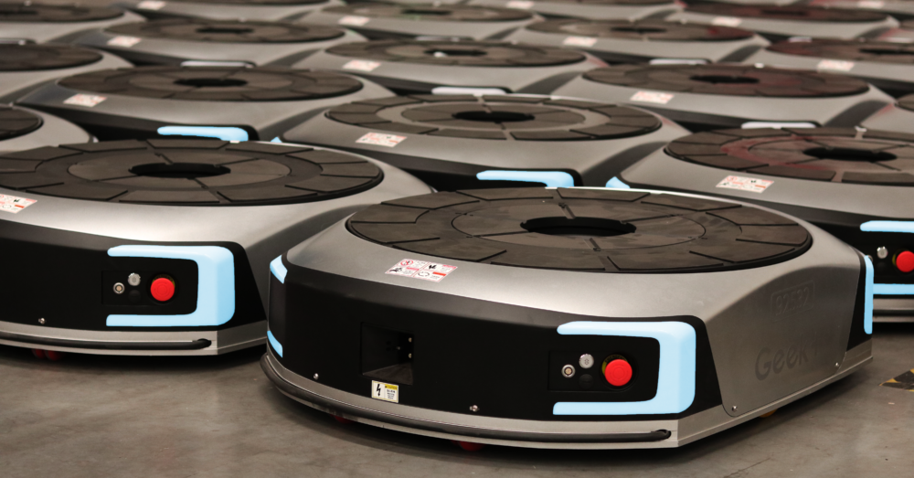 Walmart Chile deploys mobile robots in Geek+ South American expansion